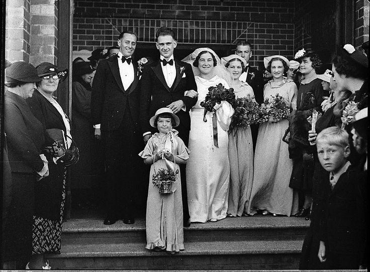 Gaymour-Ackerman wedding at Penshurst, Sydney, 1936 / Sam Hood