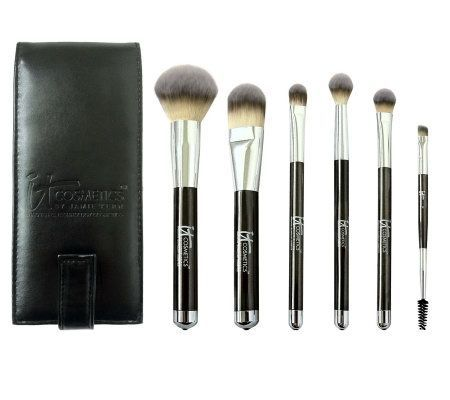 IT Cosmetics Brush Set. Best make up brushes ever!!! So soft!!