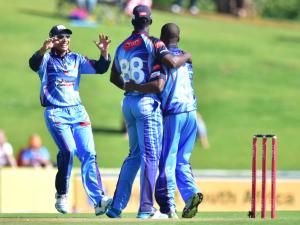 #TITANS VS #DOLPHINS, 15:00PM, 01/11/2015 The 2 teams with the most to gain from the return of SA's triumphant one-day players will go head to head when the Titans host the Sunfoil Dolphins at #SuperSport Park on Sunday afternoon.