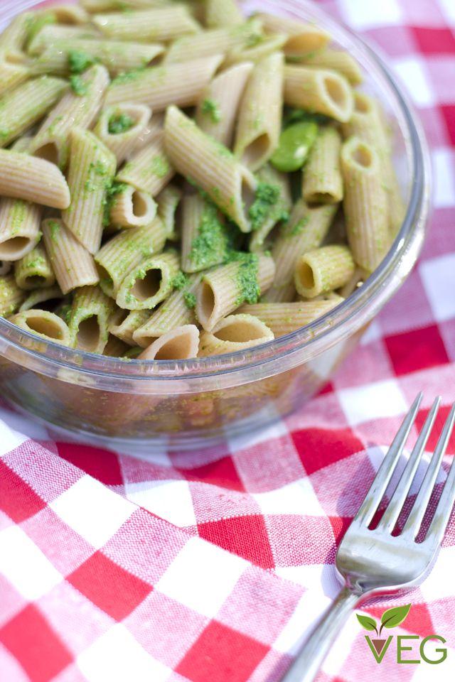 Pasta Fredda integrale con Fave e Asparagi - lacucinavegetariana.it