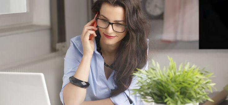 Uma empresa que oferece o serviço de telefonia IP costuma ser chamada de provedor. Ao contratar um provedor de telefonia IP, você pode adquirir uma série de recursos e sistemas para tornar sua comunicação muito mais eficiente, tais como salas de conferência, redirecionamento de chamadas e, o mais moderno sistema de central de distribuição telefônica, o PABX Virtual, também conhecido como PABX IP ou Central Telefônica Virtual.