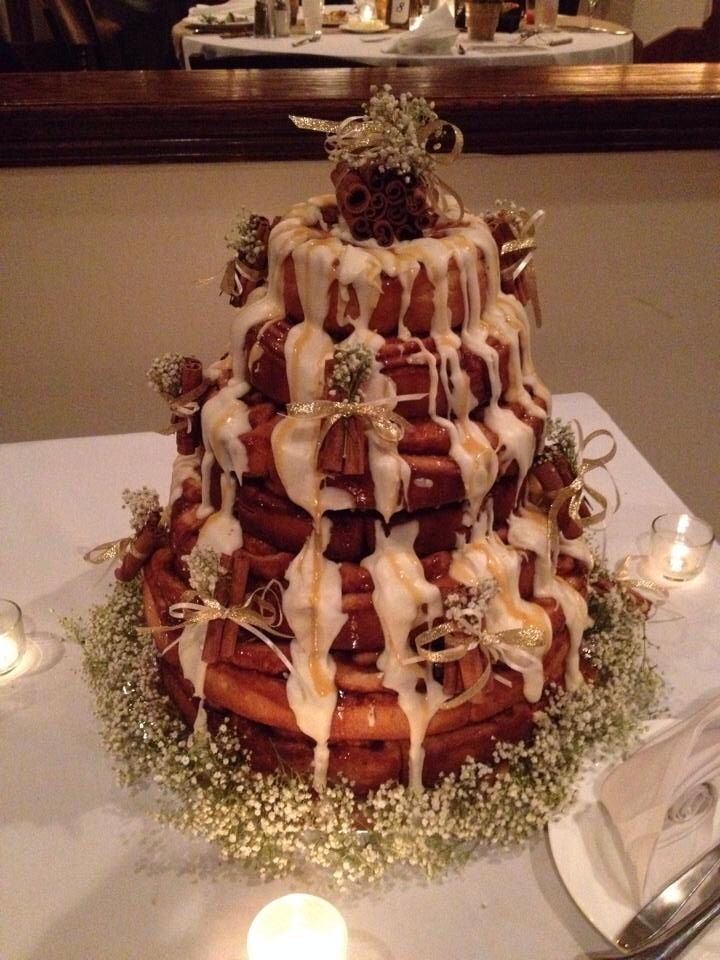 cinnamon bun wedding cake recipe lara s cinnamon roll wedding cake the knot 12870