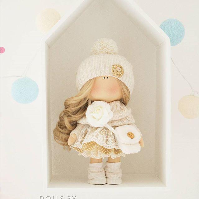 Девочки, привет Новых текстильных кукол не будет до осени точно! Заказы беру только на повторы. Эта малышка улетает в Череповец За незаменимые шитье и кружева спасибо @tkaniwood