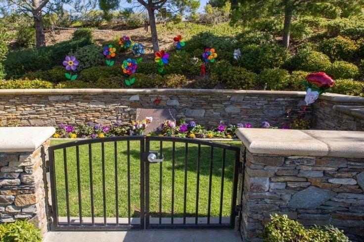 Kobe, Gianna Bryant buried in Newport Beach graveyard