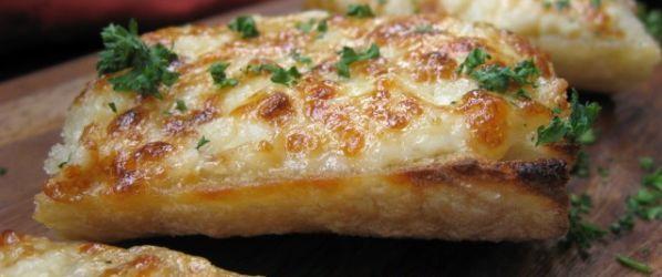 Das köstlichste Knoblauchkäse-Brot-Rezept – Genius Kitchen   – recipes
