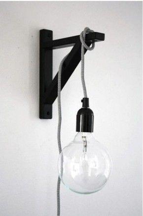 Hanglampje met een een plankendrager van Ikea