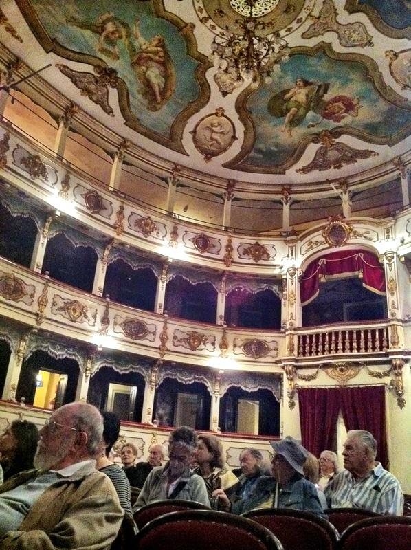 Teatro Verdi | Busseto | P.zza Giuseppe Verdi 10 | Anno 1868 | Capienza 300 posti | Progetto: Pier Luigi Montechini | Web: http://teatriemusei.ovest.com/it/teatro_verdi_di_busseto.php