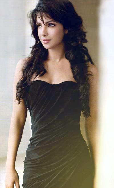 Black Swan: #PriyankaChopra