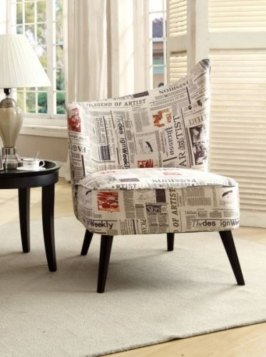 """Råtøff og moderne """"Fleet Street"""" lenestol! Denne stolen har god sittekomfort og et design som må kunne sies å skille seg ut! Denne stolen er for deg som ikke kun er ute etter A4 møbler men som tørr å skillle deg ut. Her får du design og kvalitet til lav pris!   Stolen leveres også med motsatt rygg."""