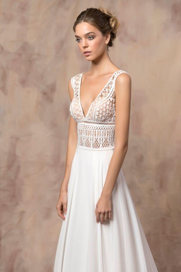 SOPHIE #weddinggown #celestialcollection #newbridalcollection #costantinobridal #weddingingreece