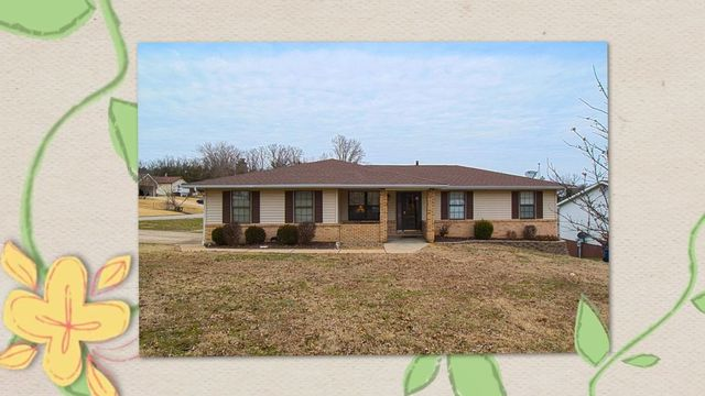 Updated Alexander Heights 4bd, 2ba ranch, 1924sf of beautiful living space! Come live in the most sought-after neighborhood in Festus!