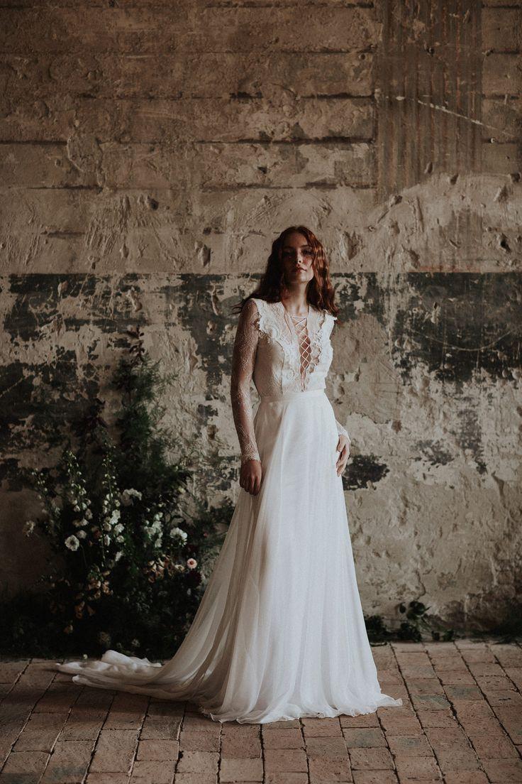 The Dürer bodysuit and the Cintia skirt / Nora Sarman Bridal / photo Pinewood Weddings