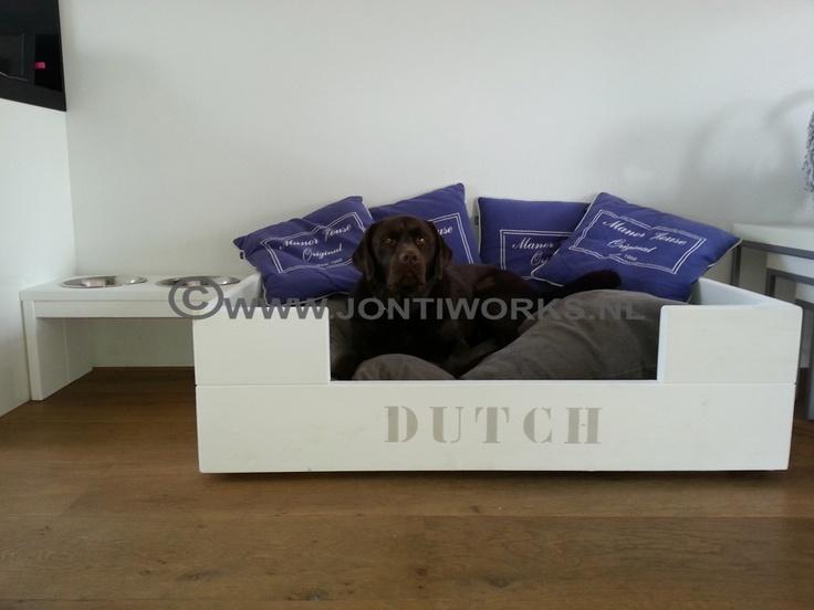 Steigerhout hondenmand model Dutch