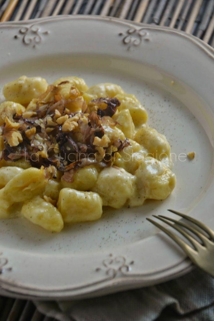 Gnocchi di patate con crema al taleggio, radicchio rosso e noci