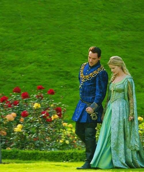 Jonathan Rhys Meyers #jonathanrhysmeyers #jrm in The Tudors - Anita Briem as Jane Seymour