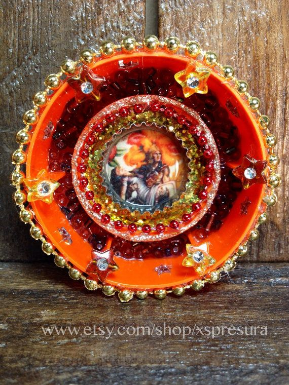 Mexican-Art-Ornament / Aztec Legend Mini Altar / Leyenda de los Volcanes Miniature Circular Shrine / Retablo Circle Shrine / Nicho Decor on Etsy, $17.00