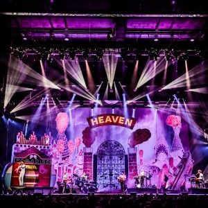 "Studio+Job+creates+""travelling+circus""+stage+set+for+Mika+tour+using+giant+illustrations"
