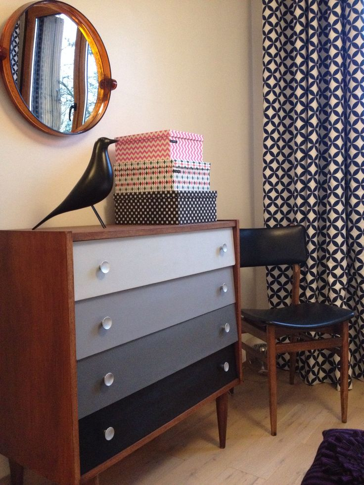 Eames house bird # commode midcentury relookée