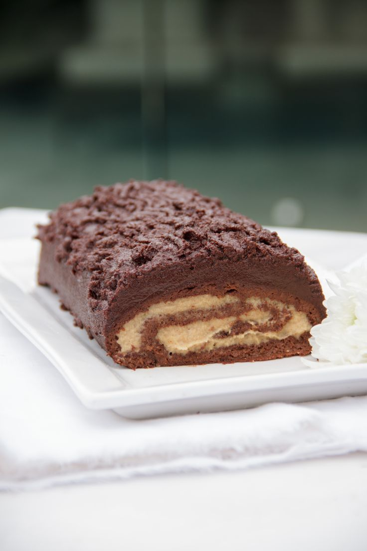 Raw Chocolate Log with Cinnamon Cream: be still my heart.
