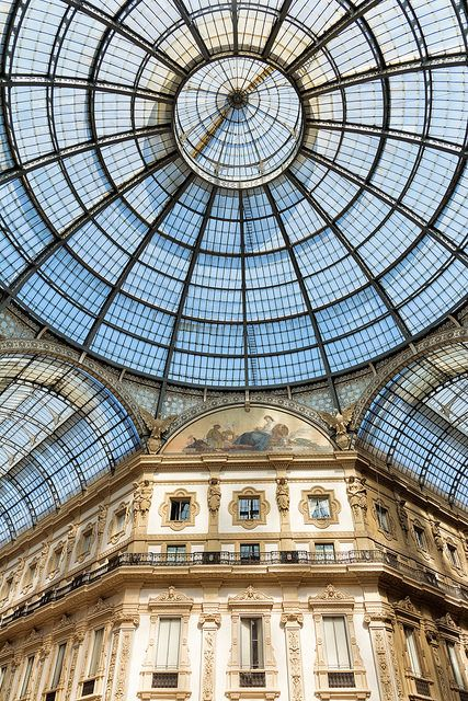 Galleria Vittorio Emanuele ll, Milan, Lombardia, Italy