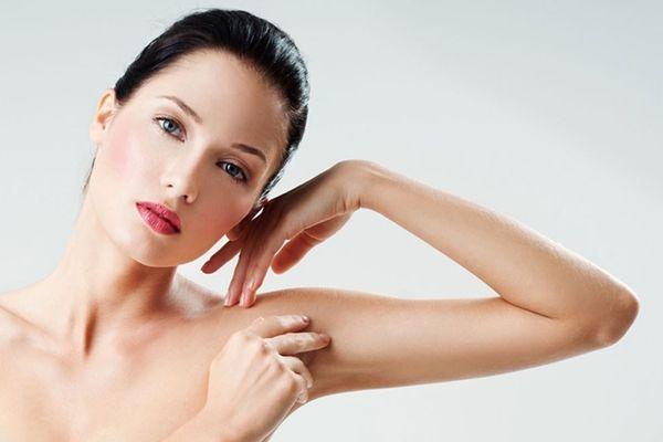 Termékajánló. Új elektromos timmelő és szőrvágó nőknek. Szőrtelenítéshez, szemöldök, bikinivonal, hónalj formázásához
