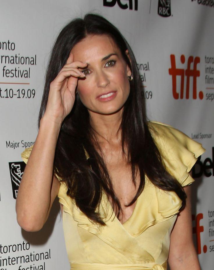 "Demi Moore Photos Photos - ""The Joneses"" Screening - 2009 Toronto International Film Festival - Zimbio"