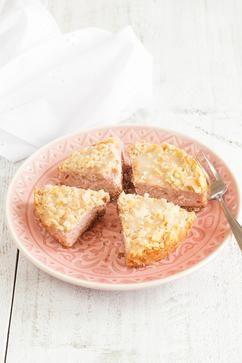 MINI BANANEN-FRAMBOZENCAKE  Deze mini bananen-frambozen cake is heerlijk als toetje of voor bij de koffie. Recept voor 6 personen, klaar in 50 minuten.  Recept onder de knop BRON