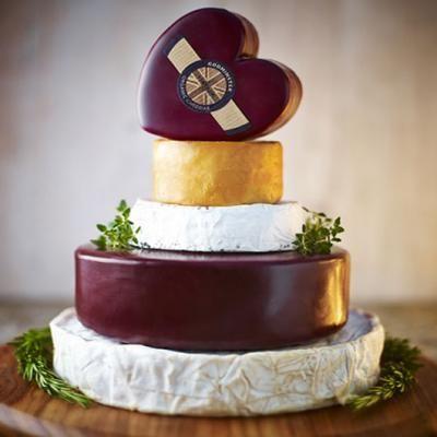 Godminster Organic Celebration Cake - Godminster