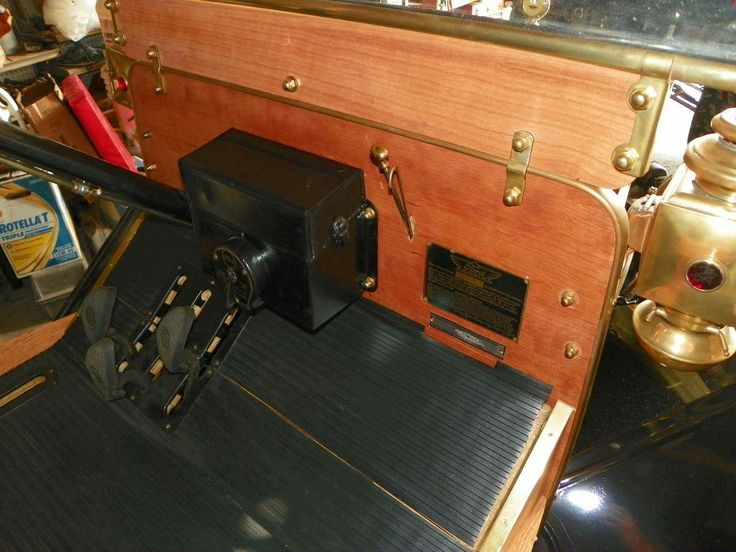 1912 Ford Model T Huckster Interior Front