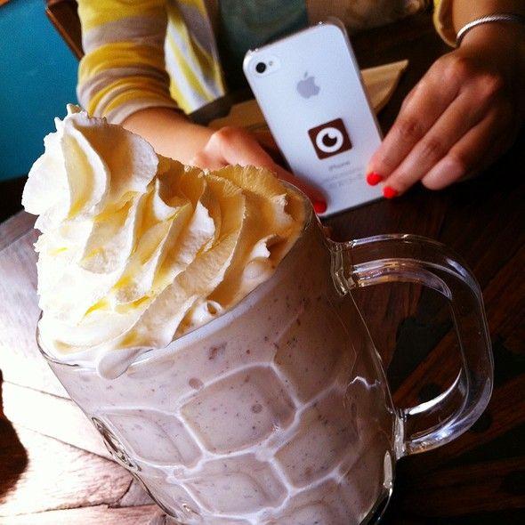 Pie Shake: Banana Cream Pie With Banana Cream Pie Ice Cream @ Chile Pies & Ice Cream (San Francisco): Banana Cream Pies, Pies Ice, Pies Shakes, Shakes Bananas, Chile Pies, Bananas Cream Pies