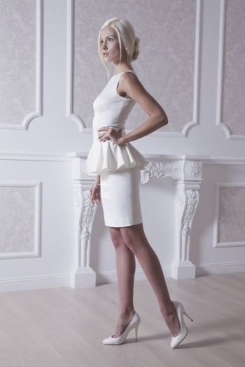 www.APILAT.com.ua #wedding #dress #designer #short #fitted #glamour #style #love #elegant #basques #white #свадебное #платье #короткое #баска #стильное #элегантное #простое