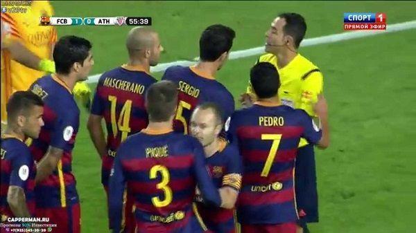 Gerard Pique otrzymał czerwoną kartkę za zbyt impulsywne zachowanie • Superpuchar Hiszpanii • Pique tak osłabił drużynę • Zobacz >> #barca #fcbarcelona #barcelona #football #soccer #sports #pilkanozna
