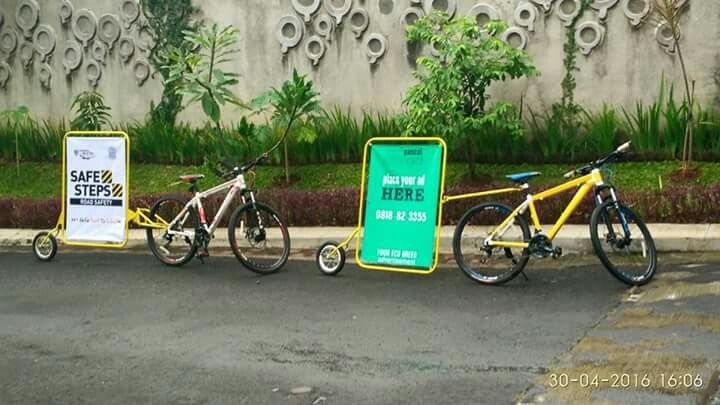 Bikevertising prepare to departure