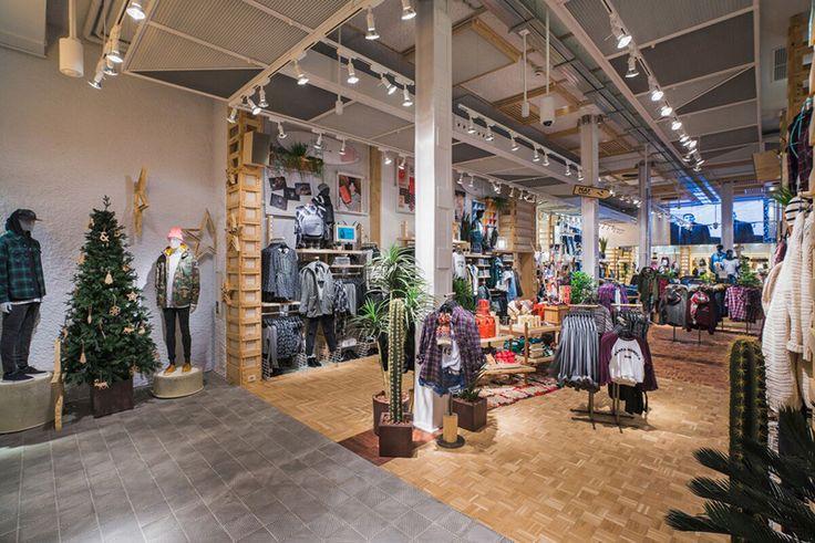 Resultado de imagen para tiendas pull and bear interiores