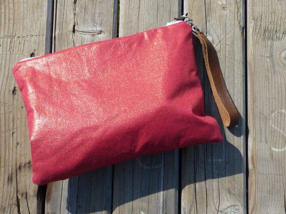 Pouch Metallic orange  red linen  zippered clutch  by dawnaparis, €30.00
