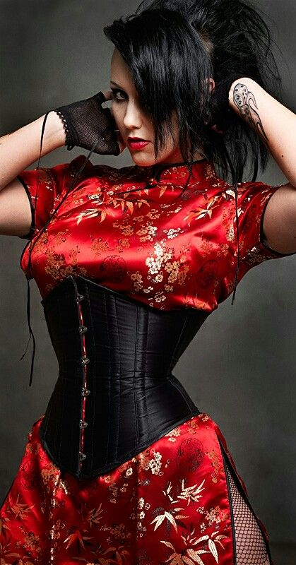 I never thought to pair a corset with my oriental dresses!