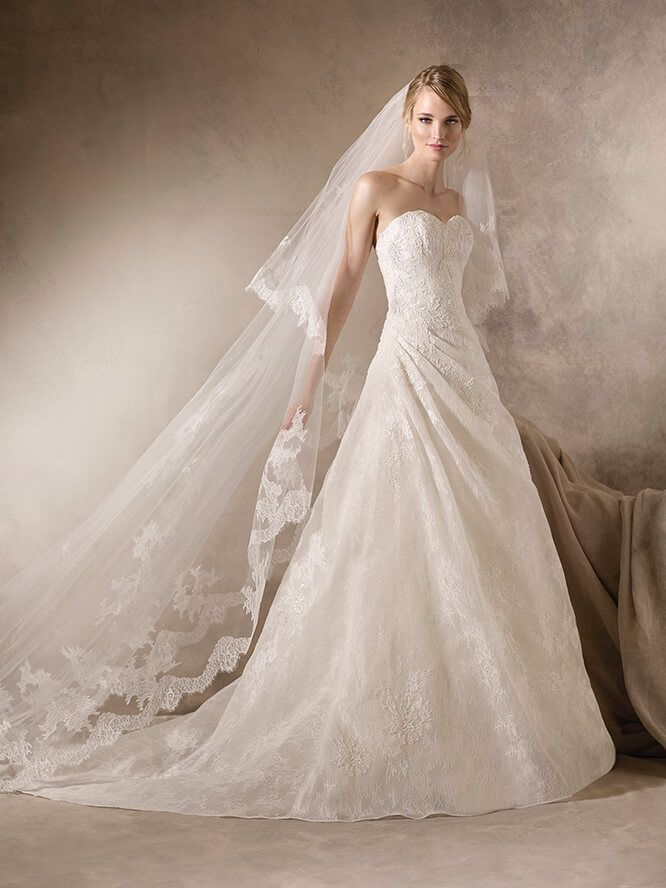 HENA, Wedding Dress