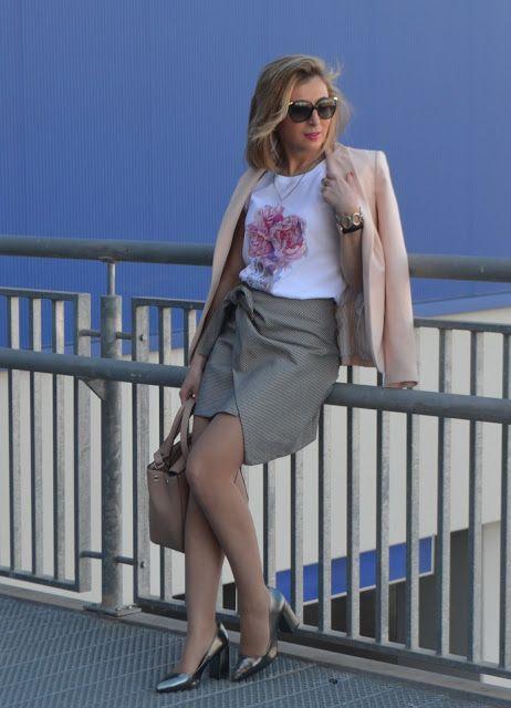 COMPRAS DE LA SEMANA. MISSMACETAS - Un vestidor con ideas #fetishpantyhose #pantyhosefetish #legs #heels #blogger #stiletto #pantyhose #collant #tan