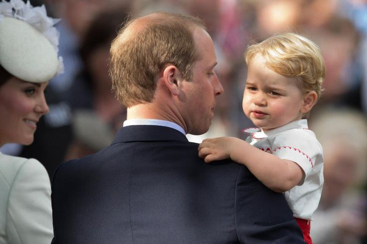 "#KateMiddleton, il principe #William e il Natale ""impegnativo"" con #George."