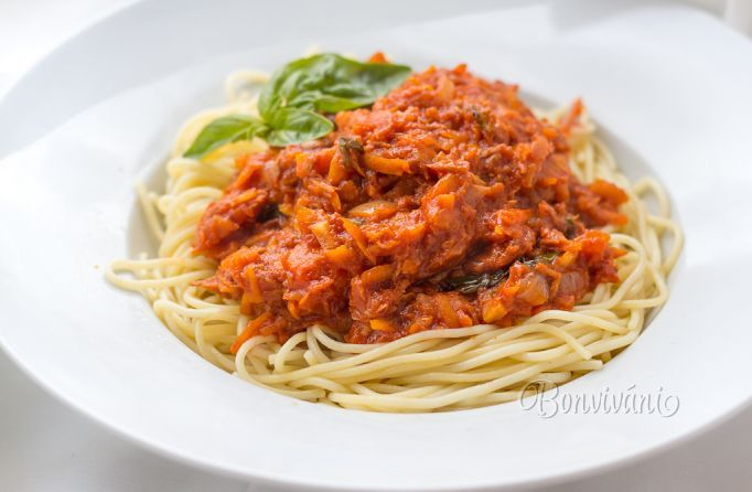 Špagety s tuniakom a zeleninou