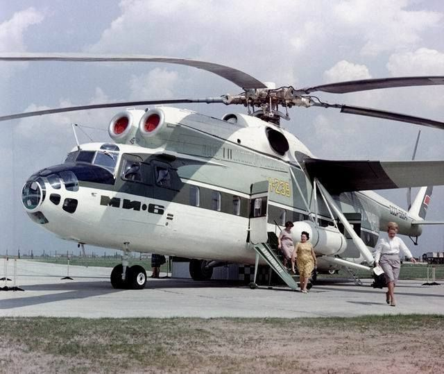 Helicopter Mi-6 passenger version, 1965. Only one built. http://www.aviastar.org/helicopters_eng/mi-6.php https://en.wikipedia.org/wiki/Mil_Mi-6