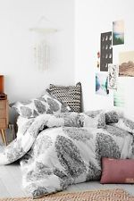 Urban Outfitters Plum & Bow Black & White Kylee Block Comforter Twin XL Dorm