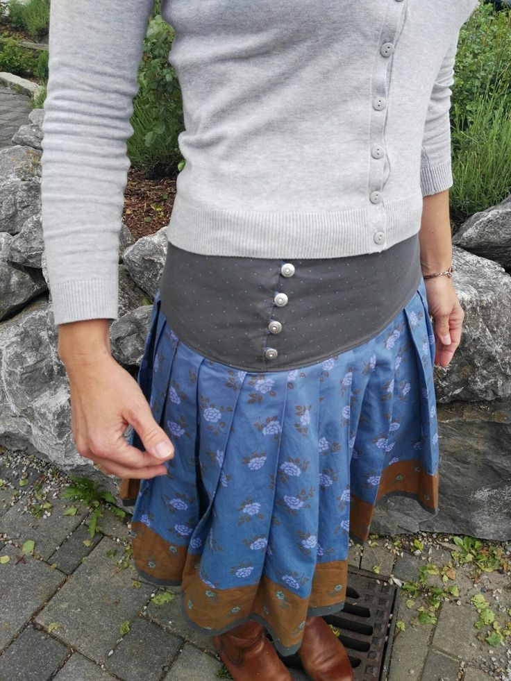Trachtenrock  Trachtenrock, Diy nähen kleidung, Kleidung