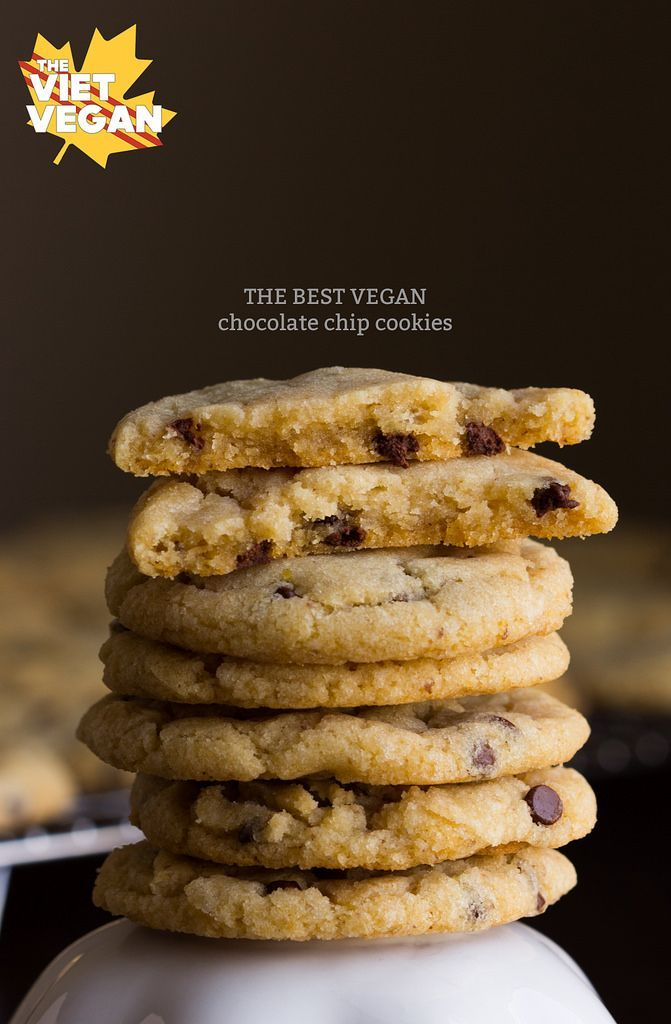 THE BEST Vegan Chocolate Chip Cookies | The Viet Vegan | Crisp edges, chewy centre, perfect chocolate-to-cookie-ratio.