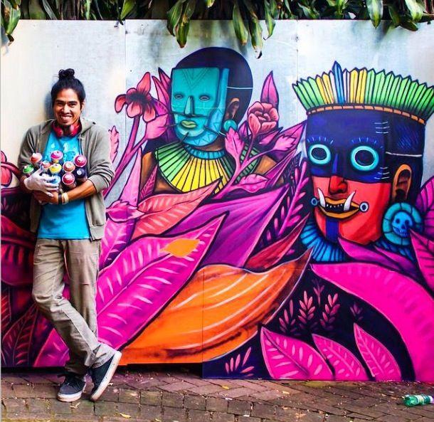 Saner with his mural in São Paulo, Brazil - September, 2014 (LP)