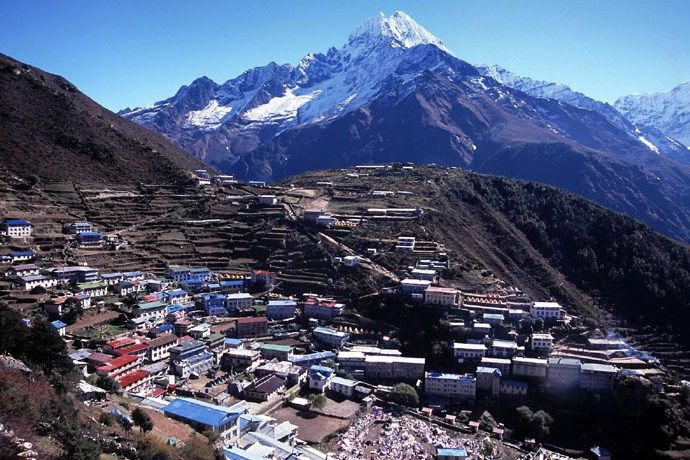 エベレスト登山の拠点となる町「ナムチェバザール」(hushigi.com)