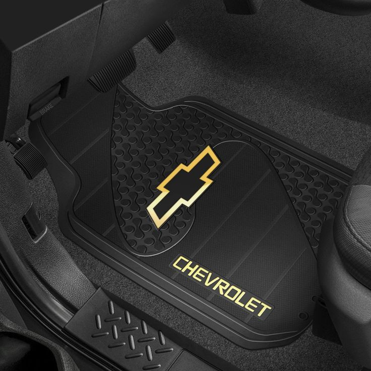 Plasticolor® Floor Mats with Chevy Logo Autos, Chevy y
