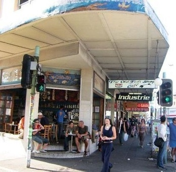 Billabong Gardens is a funky inner-city boutique hotel/motel popular with independent travellers