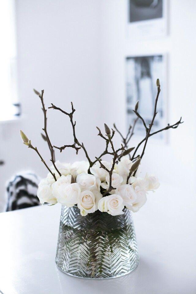 floral, flowers, inspiration, bouquets, bridal, wedding, center pieces, arrangements, white, branches