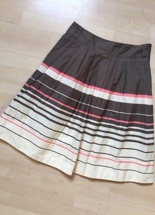 Kupuj mé předměty na #vinted http://www.vinted.cz/damske-obleceni/midi-sukne/15200298-krasna-pruhata-sukne-s-podsivkou